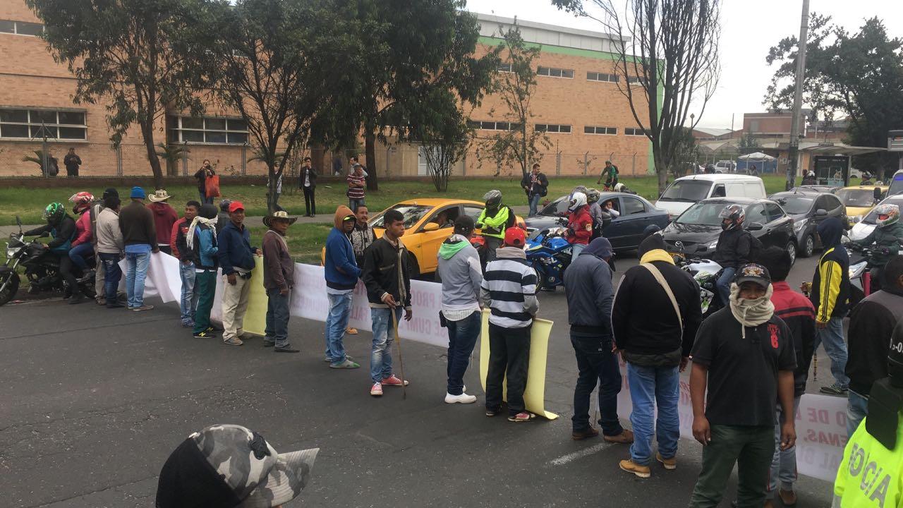 CALLE 16 PROTESTAS BLOQUEOS - cortesía Pablo Robledo