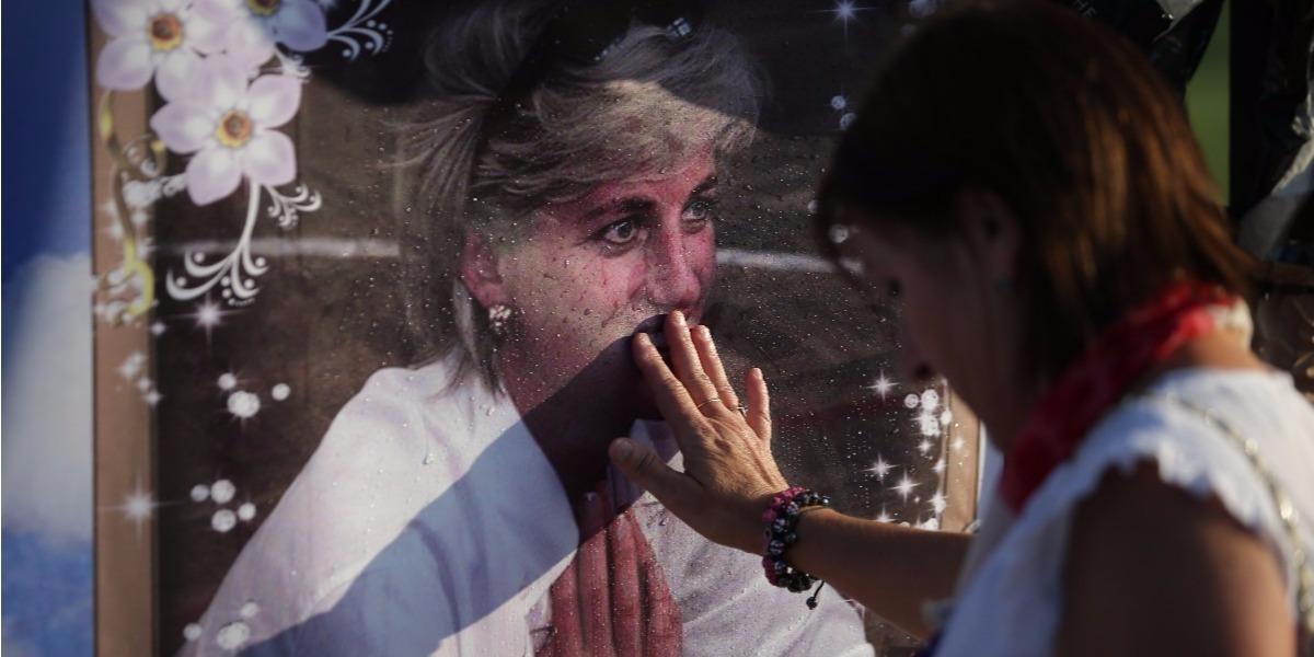El mundo recuerda a la princesa Diana - Foto: Daniel LEAL-OLIVAS / AFP