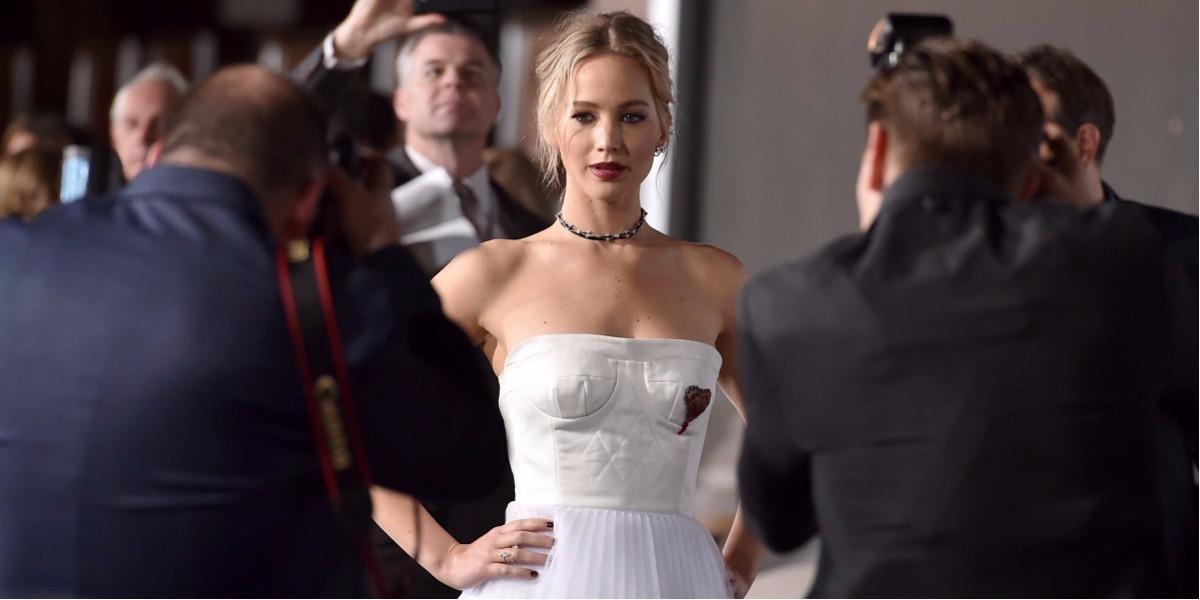 La actriz Jennifer Lawrence habló con la revista Vogue de su actual relación. Foto: Jordan Strauss - AP.