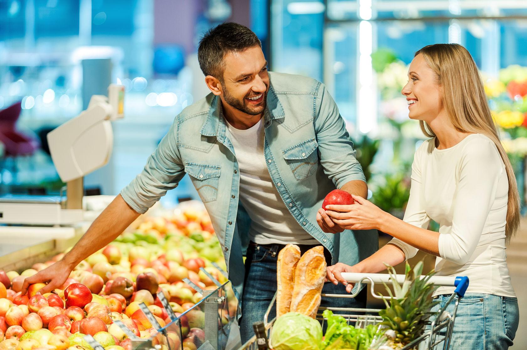 Los 5 alimentos que no deben faltar cuando hace mercado