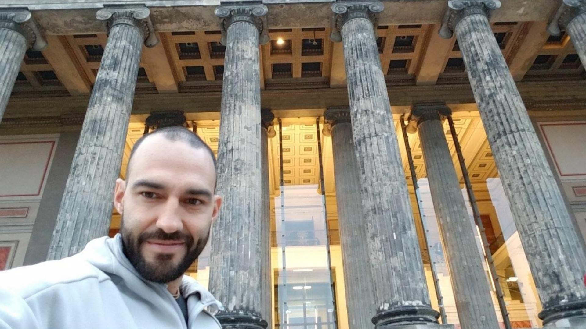 Leonardo Morán disfruta Berlín al estilo de «Acá Entre Nos»