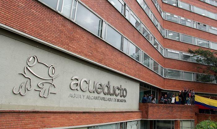 Millonaria multa al Acueducto de Bogotá por captar agua de tres ríos ilegalmente - Canal 1
