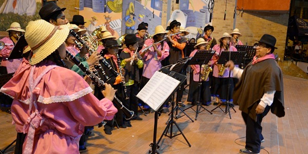 Siete mil artistas de la música y la danza en Paipa