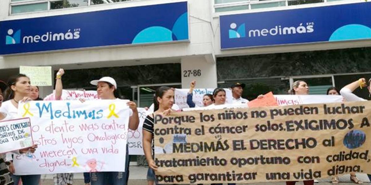 Siguen protestas por mal servicio de Medimás en Bucaramanga