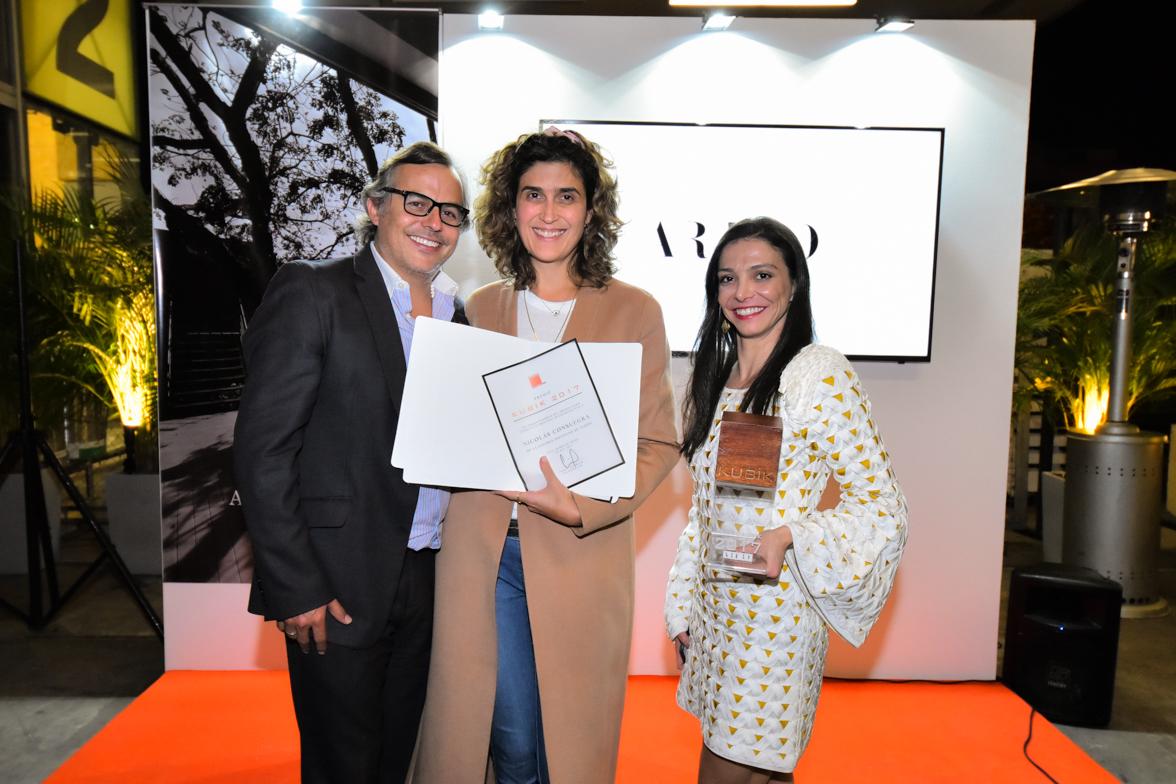 Colombiano recibió Premio Kubik