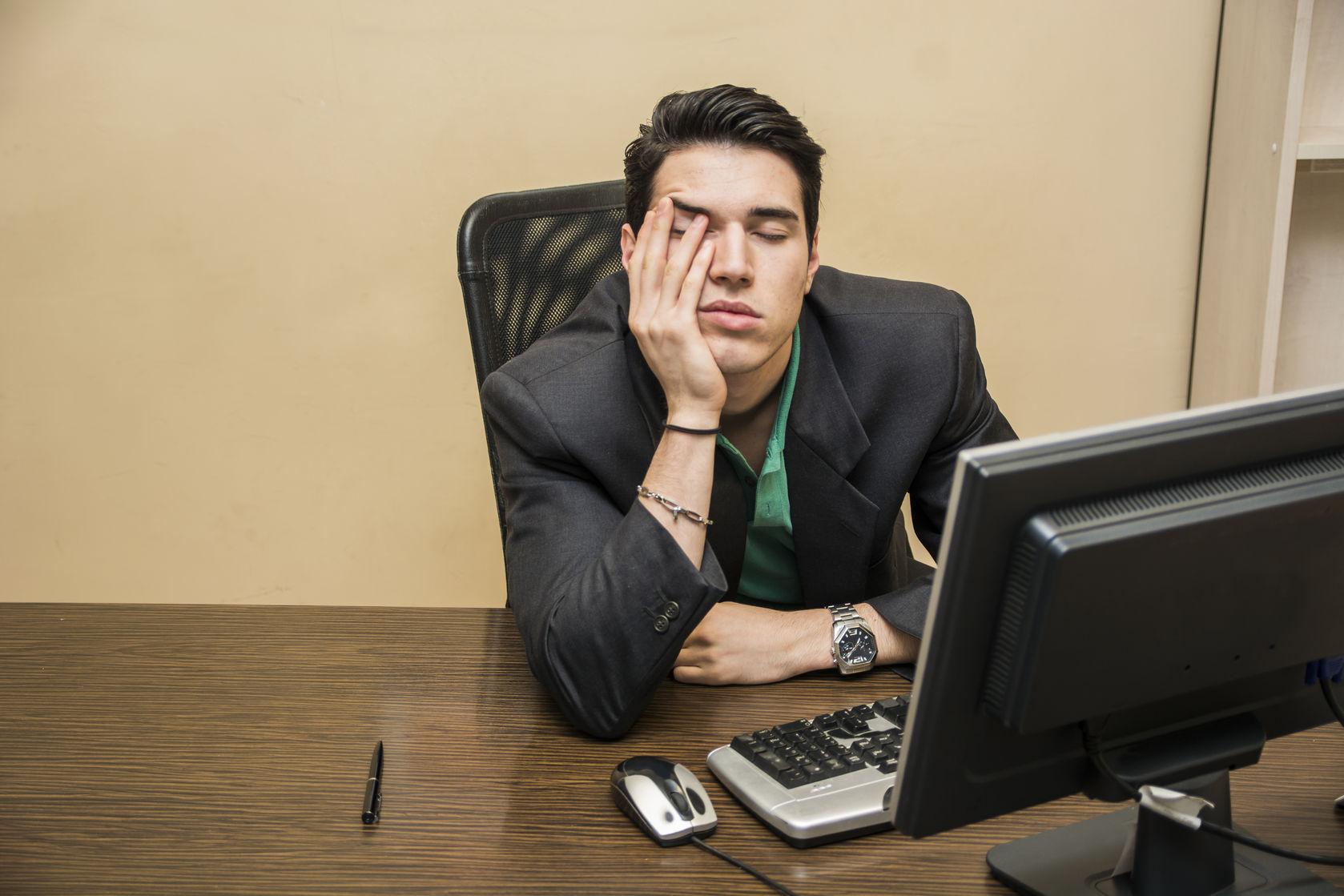 ¿Por qué nos da sueño después de comer?