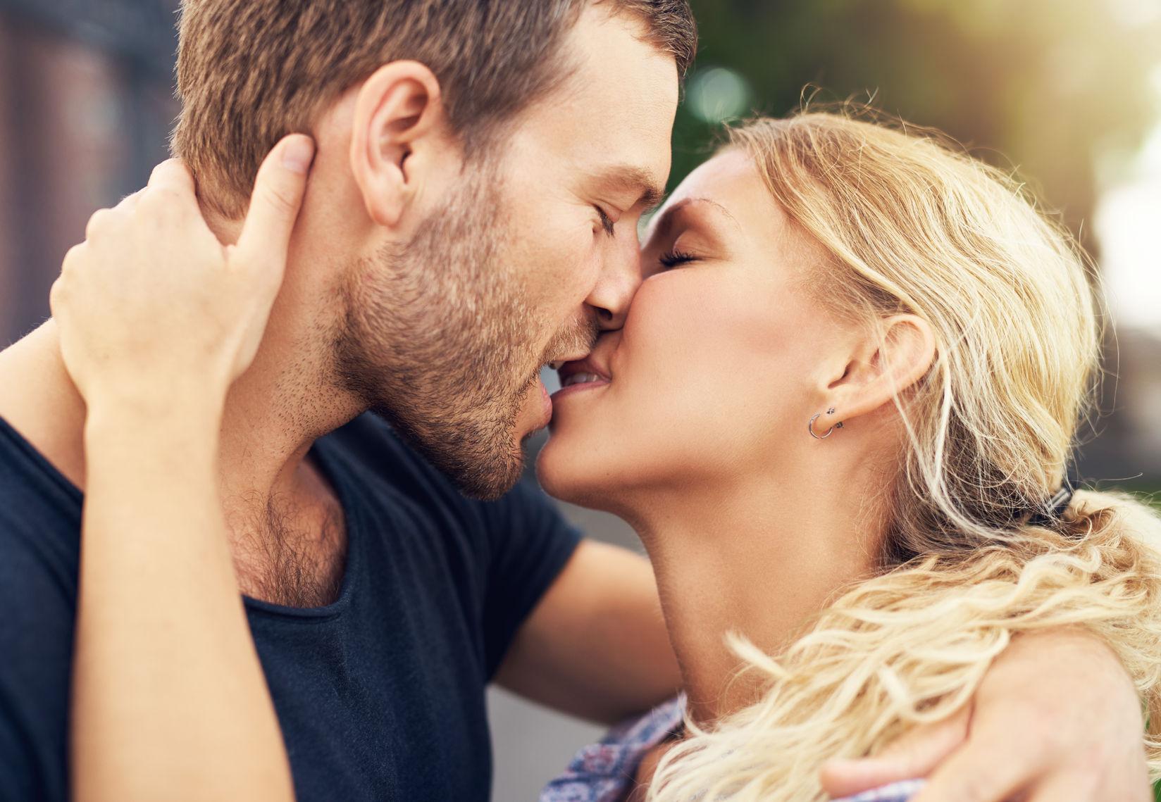 Estos son los beneficios de besar para su salud
