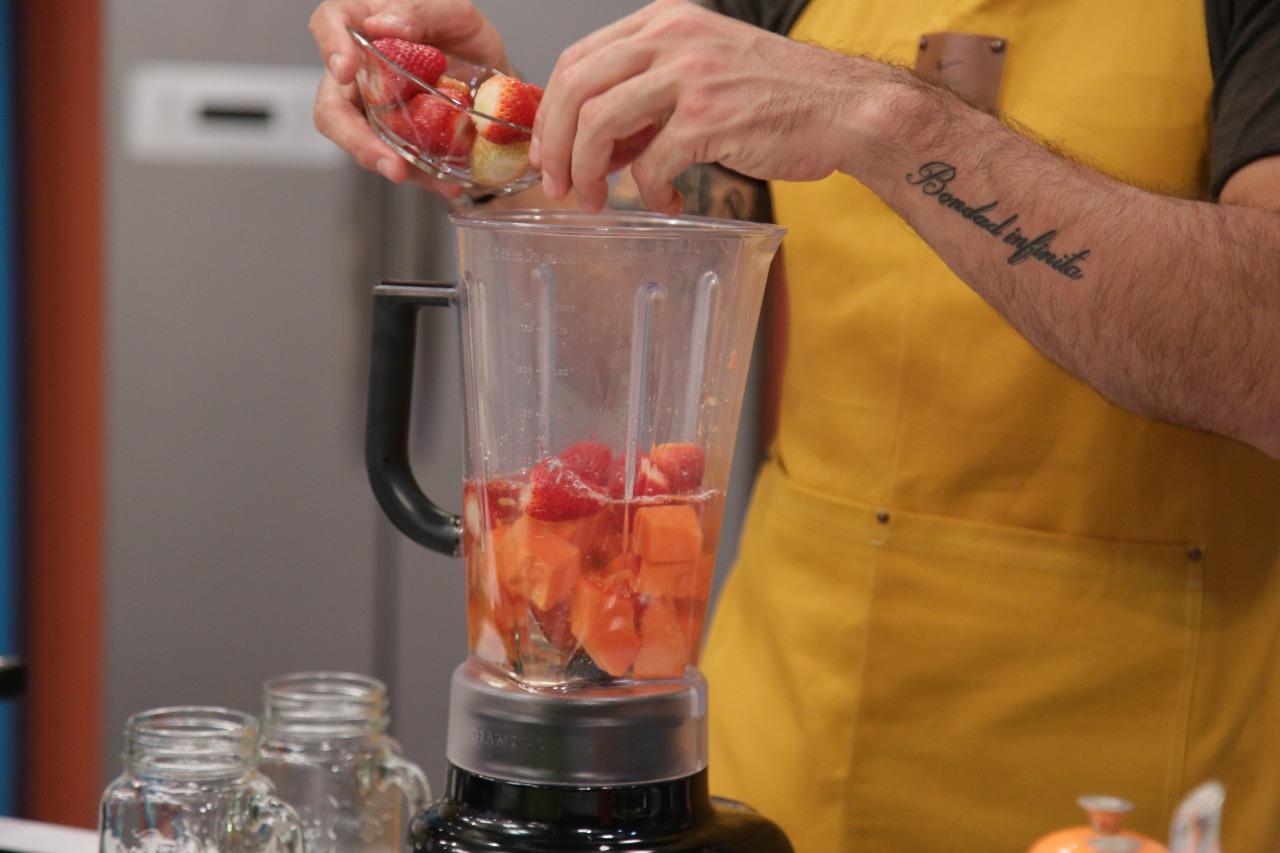 Beneficios de mezclar papaya y fresa en un jugo