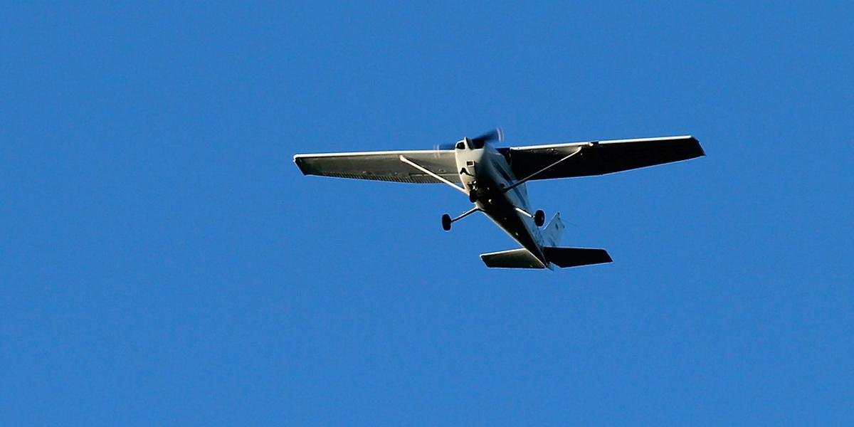 Aeronave aterriza de emergencia cerca a pista en Villavicencio