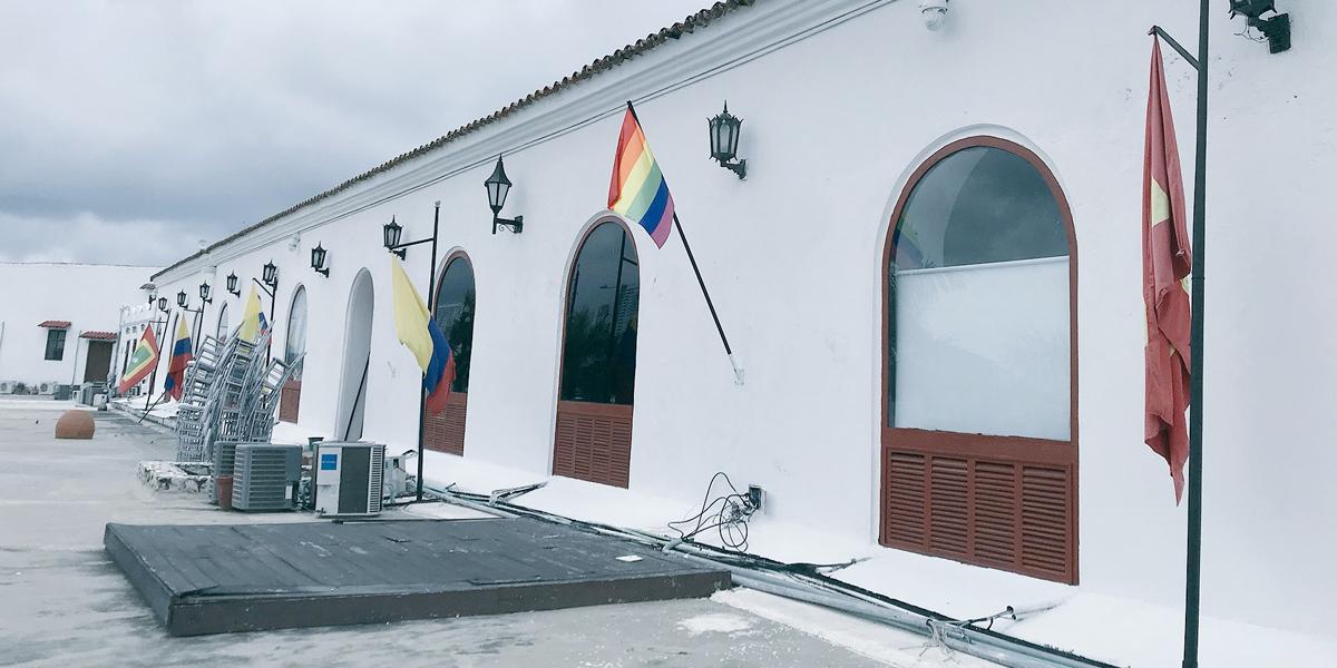 Polémica por bandera LGTBI instalada  en la alcaldía de Cartagena