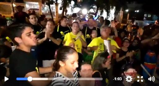 Particular forma de pedir dulces en Barranquilla es sensación en redes sociales