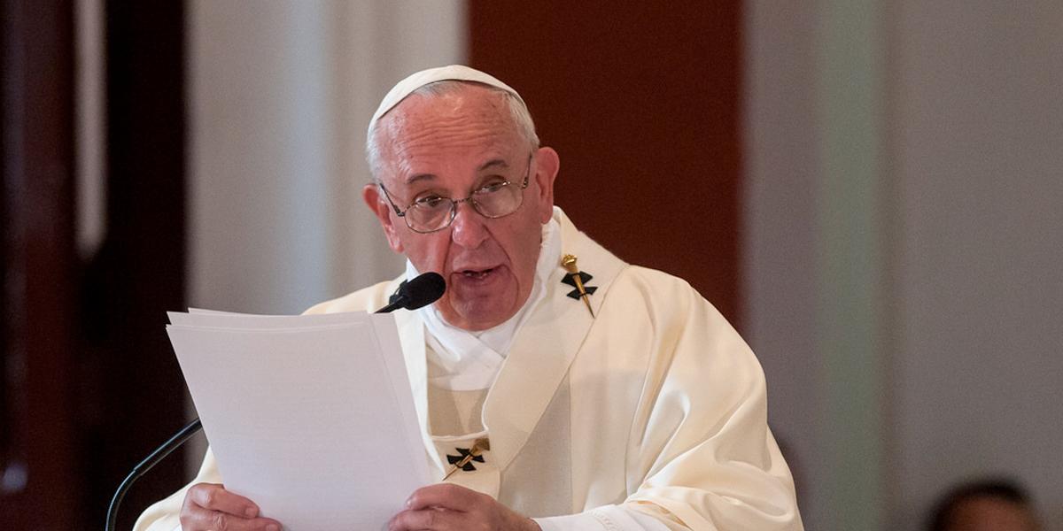 Papa recomienda recurrir a la psiquiatría cuando se detecta la homosexualidad en la infancia