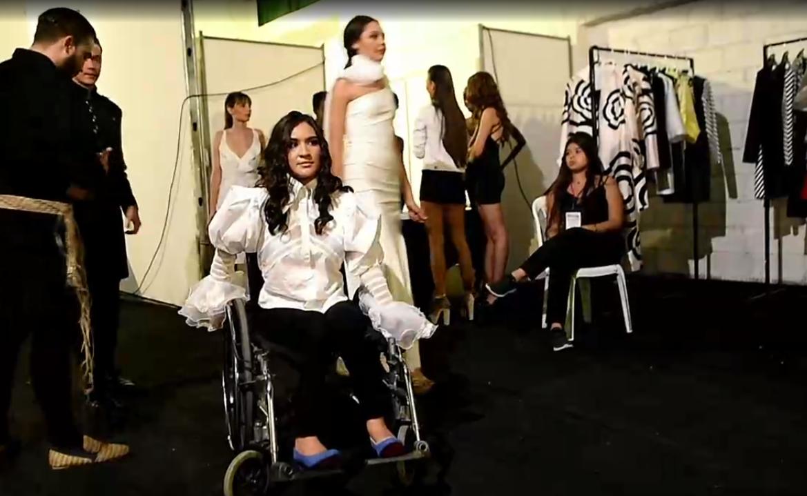 LGBT, discapacitados e indigentes desfilan por la inclusión en Colombia