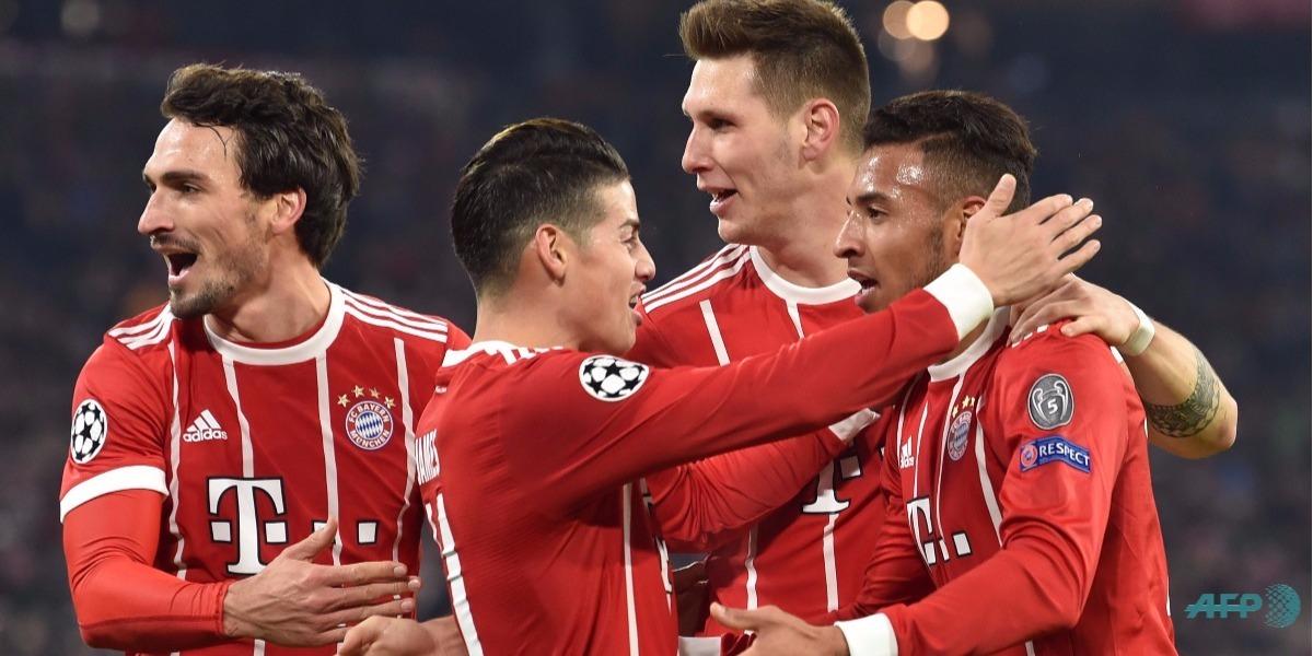 James, figura y pase gol en el triunfo del Bayern - Foto: Christof STACHE / AFP