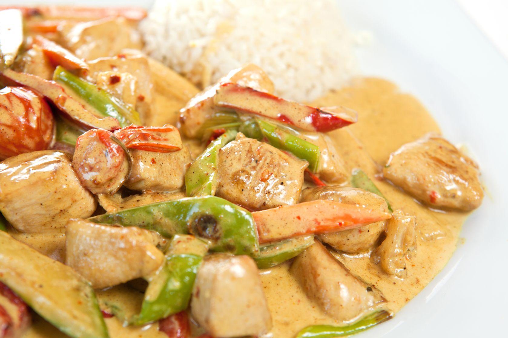 ¡Delicioso! Así se ve el pollo al curry que preparó Leo Morán