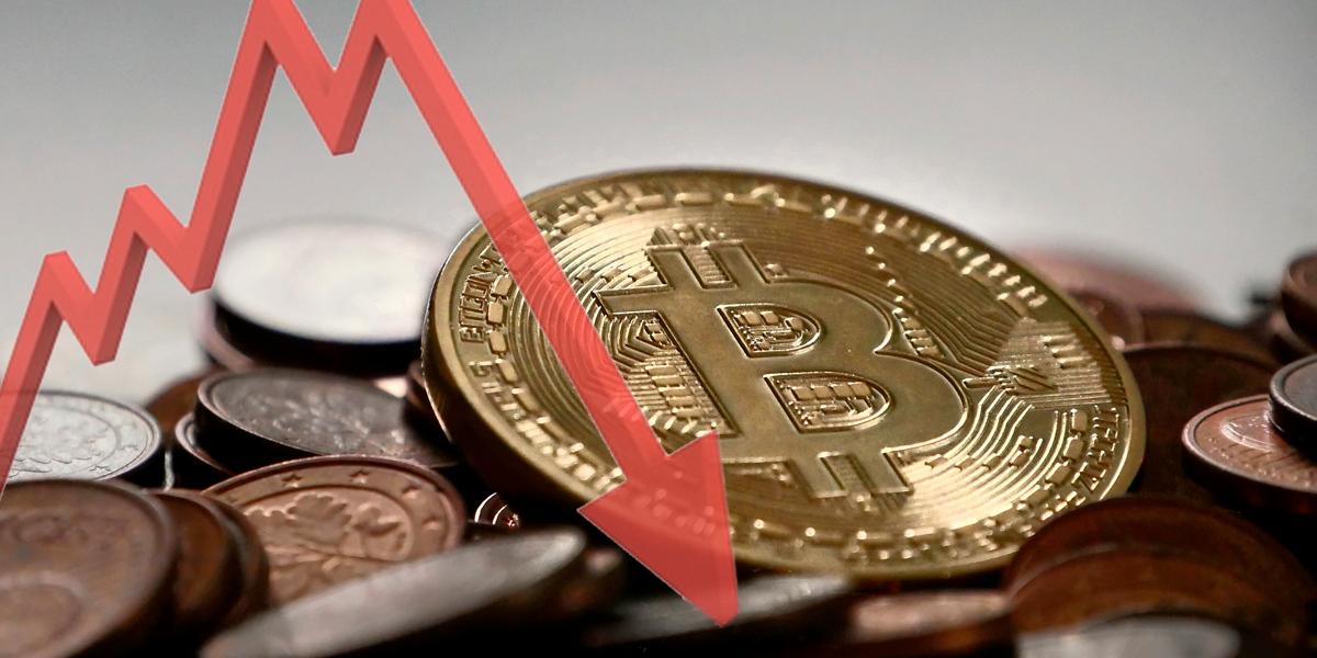 El bitcoin cae más del 20 % ante posibles nuevas restricciones en Asia