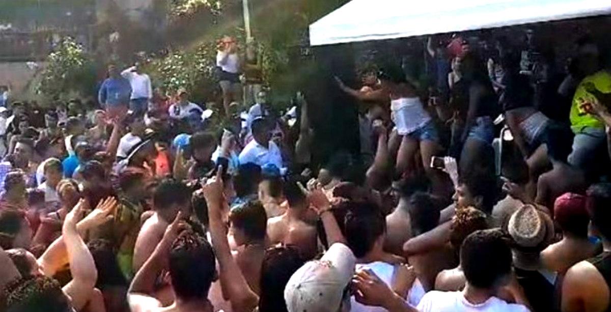 Concurso de camisetas mojadas con menores causa indignación en San Gil