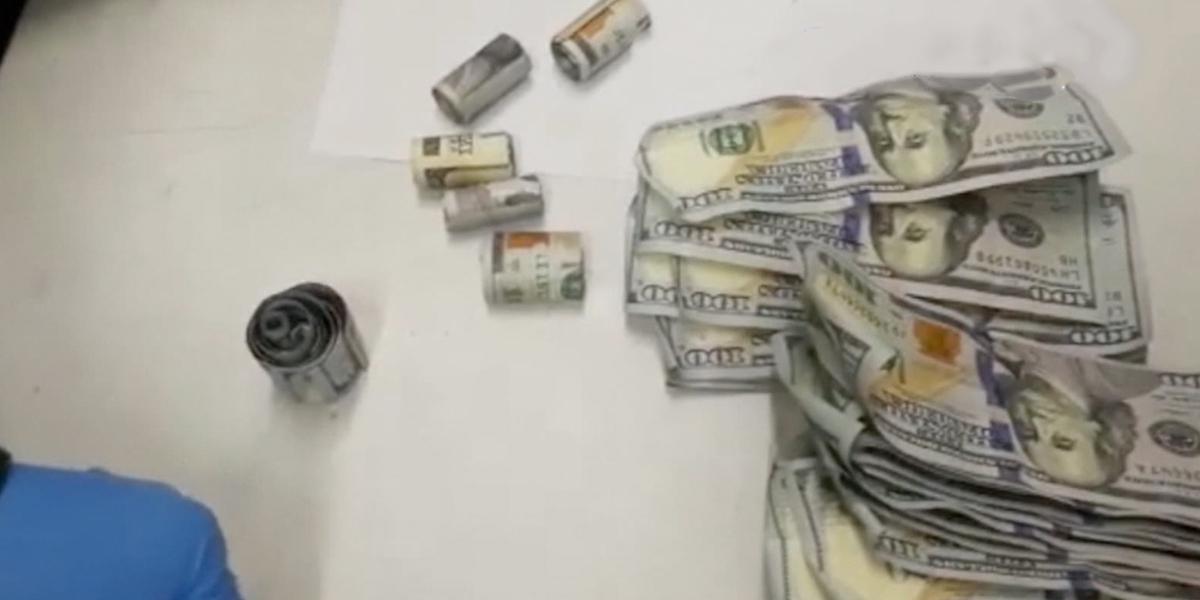 Ingerir cápsulas con dólares, la nueva modalidad de ingreso ilegal de divisas