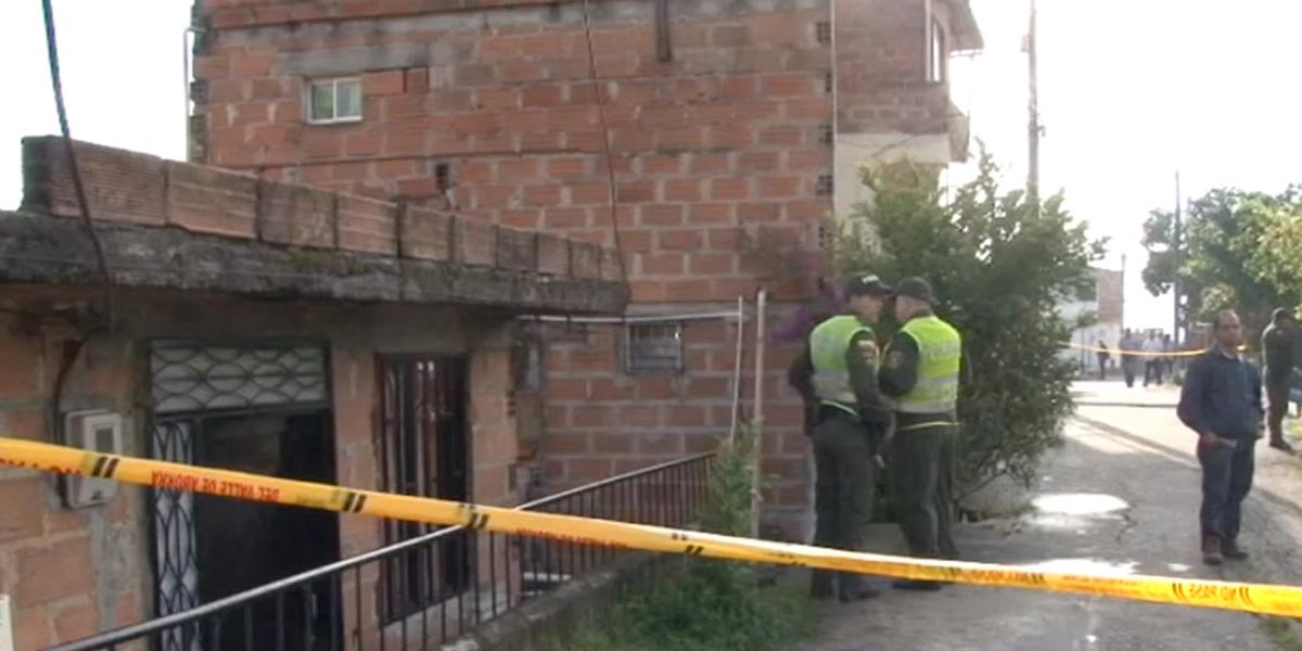 Un muerto y un herido, al parecer por riñas entre hinchas en Medellín
