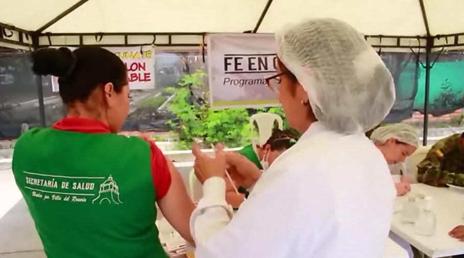 Refuerzan plan de vacunación para venezolanos en la frontera con Colombia