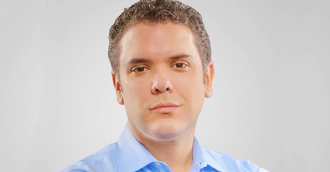 Iván Duque dice que no es intérprete de los trinos de Álvaro Uribe