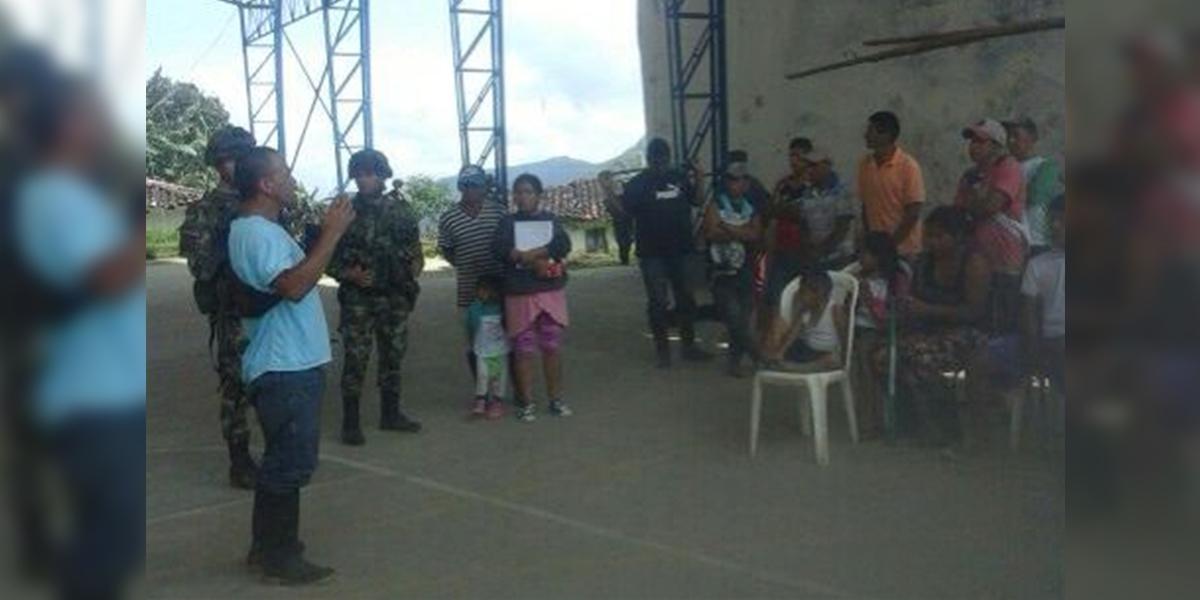 30 militares retenidos en la Vega, Cauca