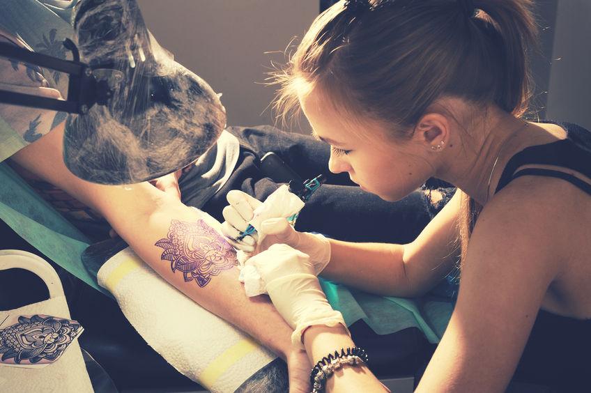 Sonidos tatuados en la piel, la nueva moda de EE.UU.