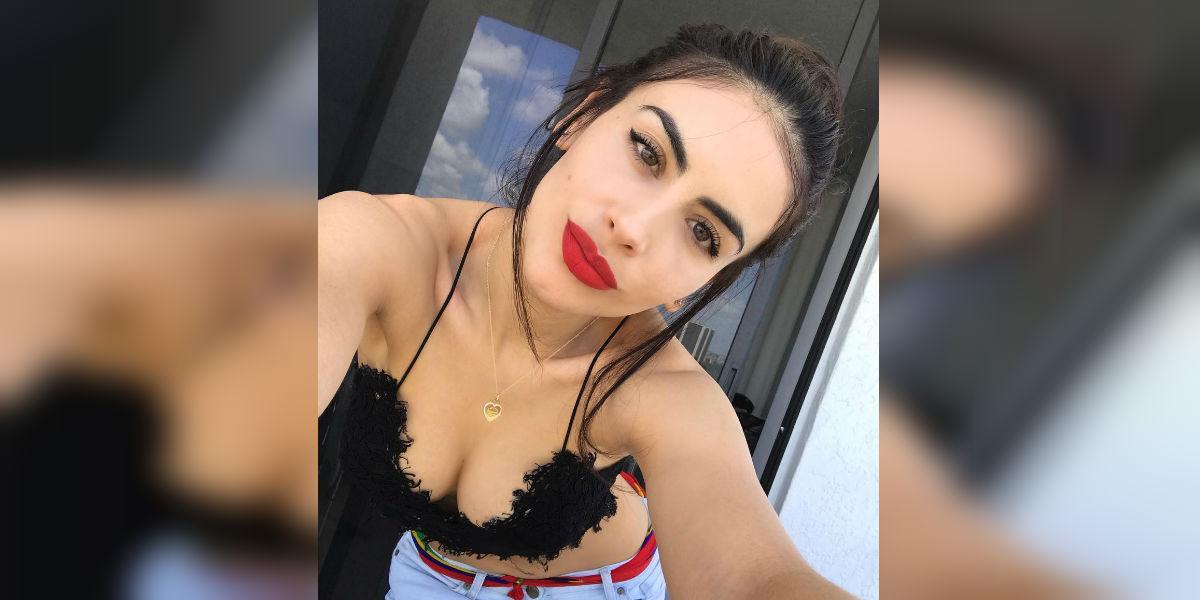 Jessica Cediel publica sensual foto 'entrepiernada' con su nuevo amor