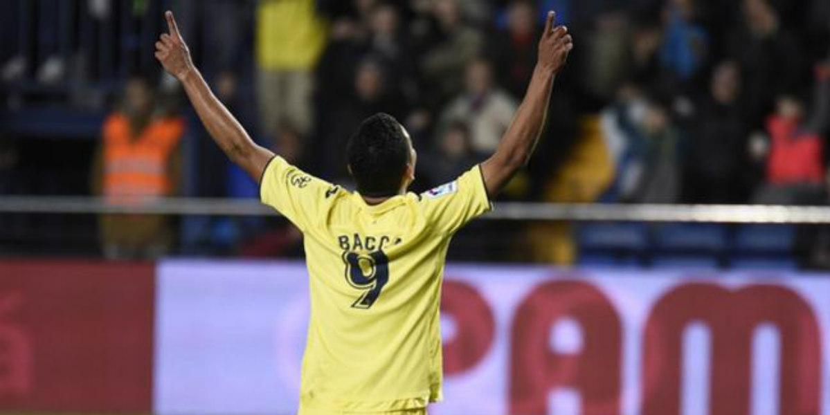 Mira el golazo por el que Carlos Bacca se lleva los aplausos en España