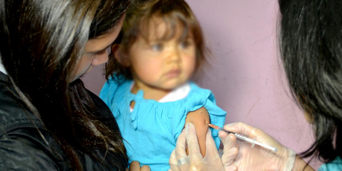 Corte Constitucional ordena vacunar a 400 niños en Amazonas