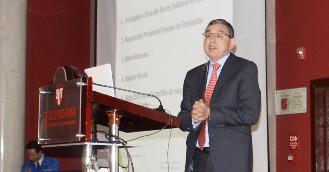 Indagación contra Héctor Ruiz, superintendente de Economía Solidaria