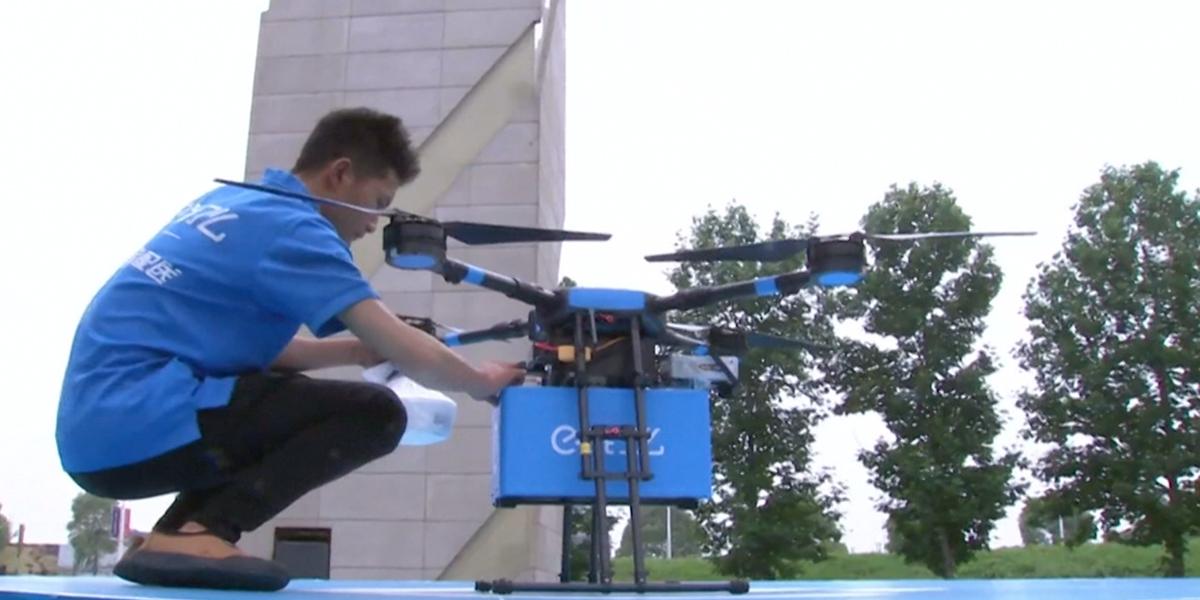 Drones entregan comida a domicilio en China