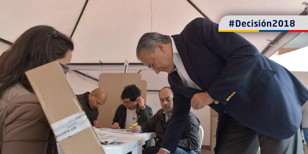 Vicepresidente invita a todos los colombianos a 'cumplir con el deber' de votar