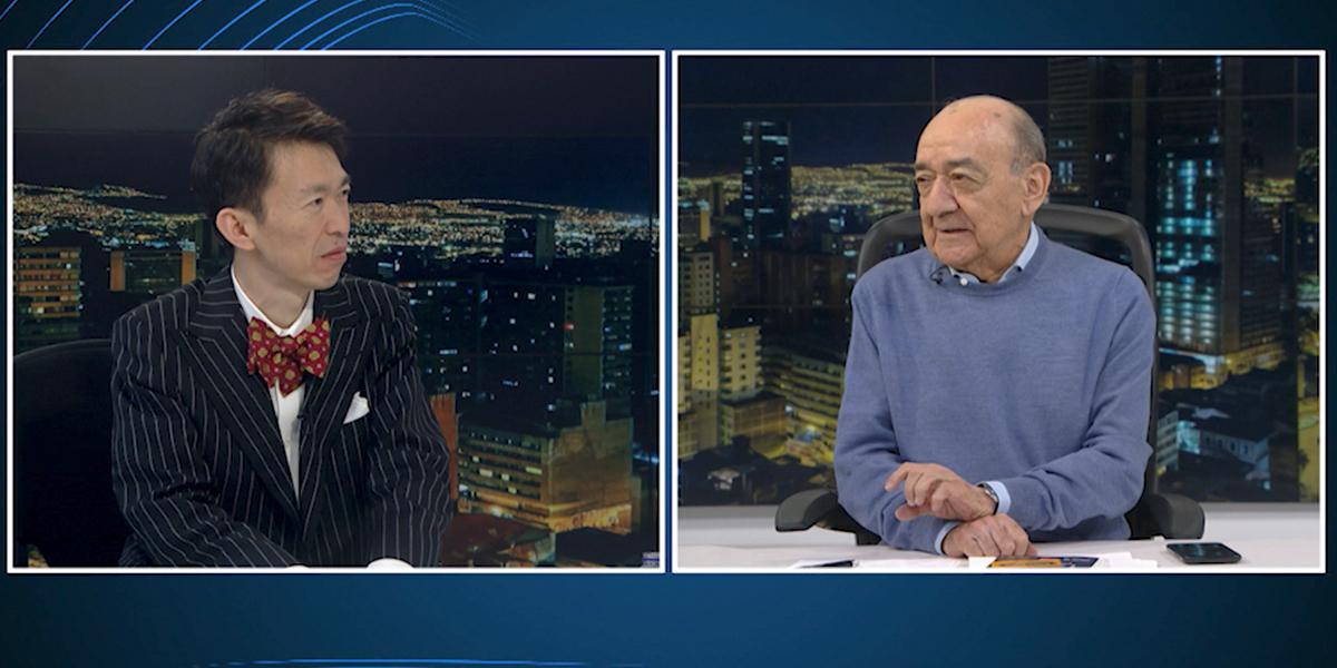Roberto Sugiura, el japonés que canta boleros en español