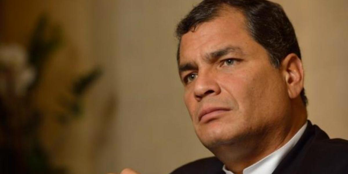 Fiscal pide brazalete electrónico para Rafael Correa por el caso Balda