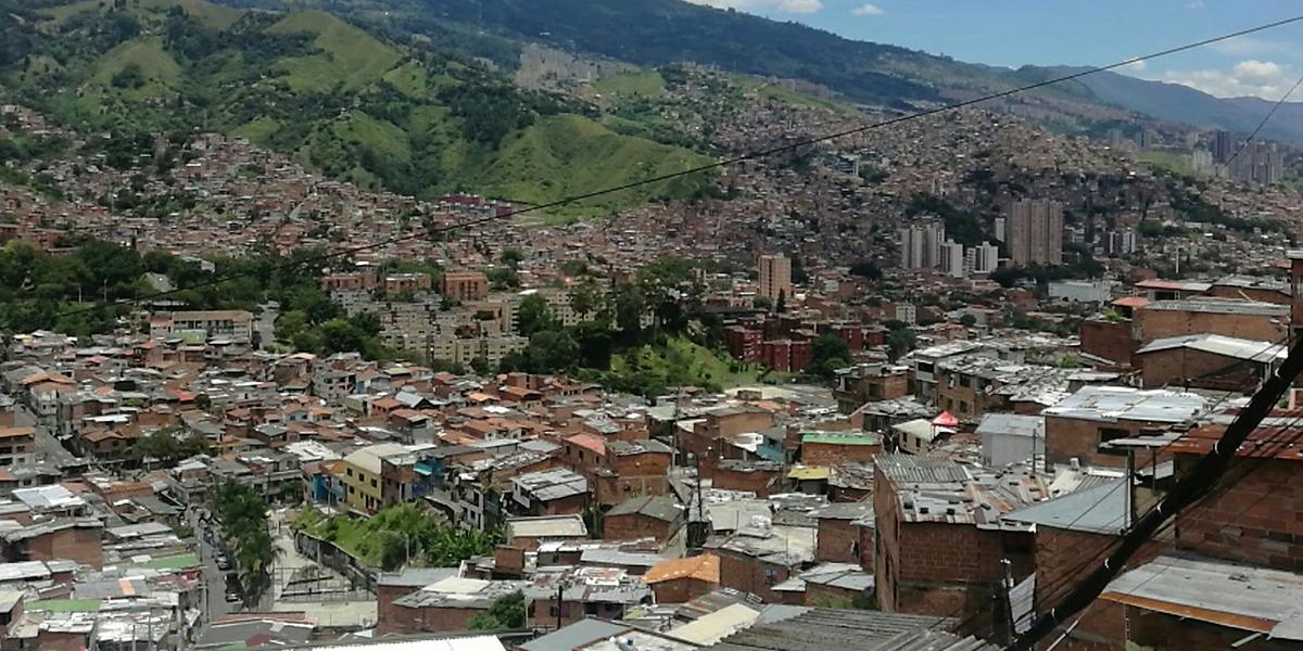 Trasladan a seis cabecillas que ordenaban crímenes desde la cárcel de Medellín