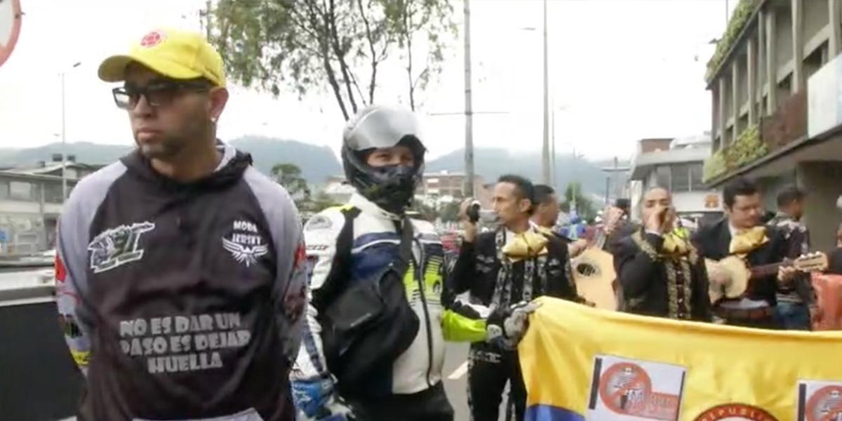 Avanza protesta de motociclistas por prohibición de parrillero en Bogotá