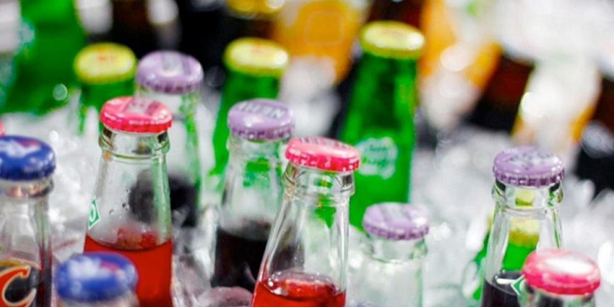 Estudio revela que impuesto sobre bebidas azucaradas bajaría su consumo