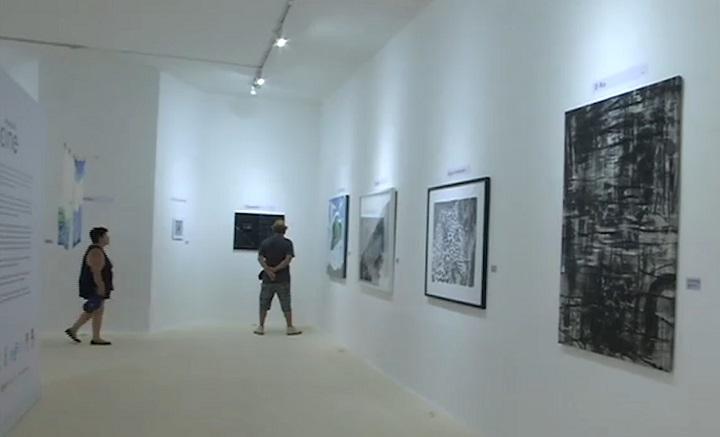 Artistas plásticos transformaron películas colombianas en obras de arte