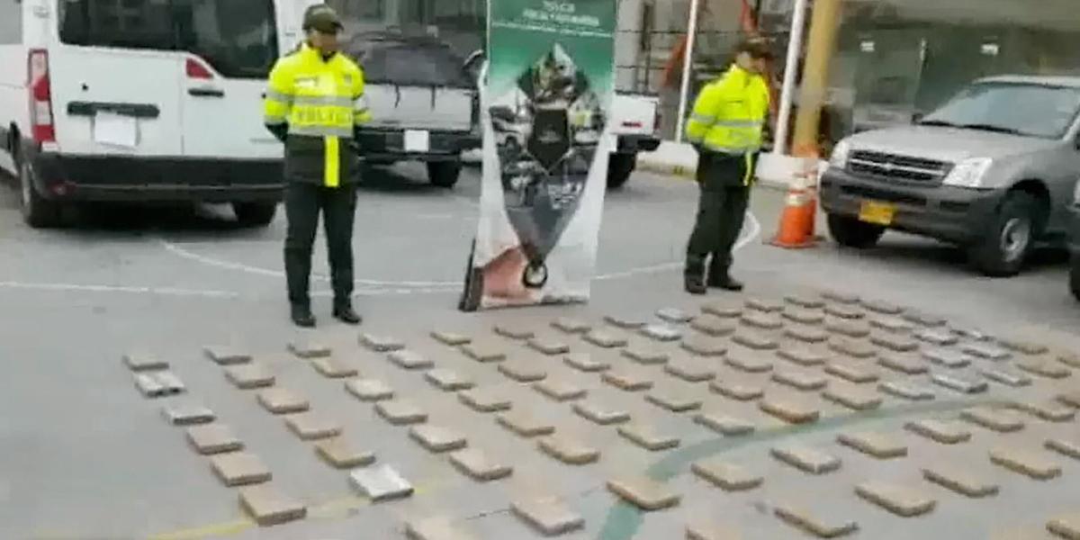 Iban por contrabando y hallaron coca en un parqueadero de Ipiales