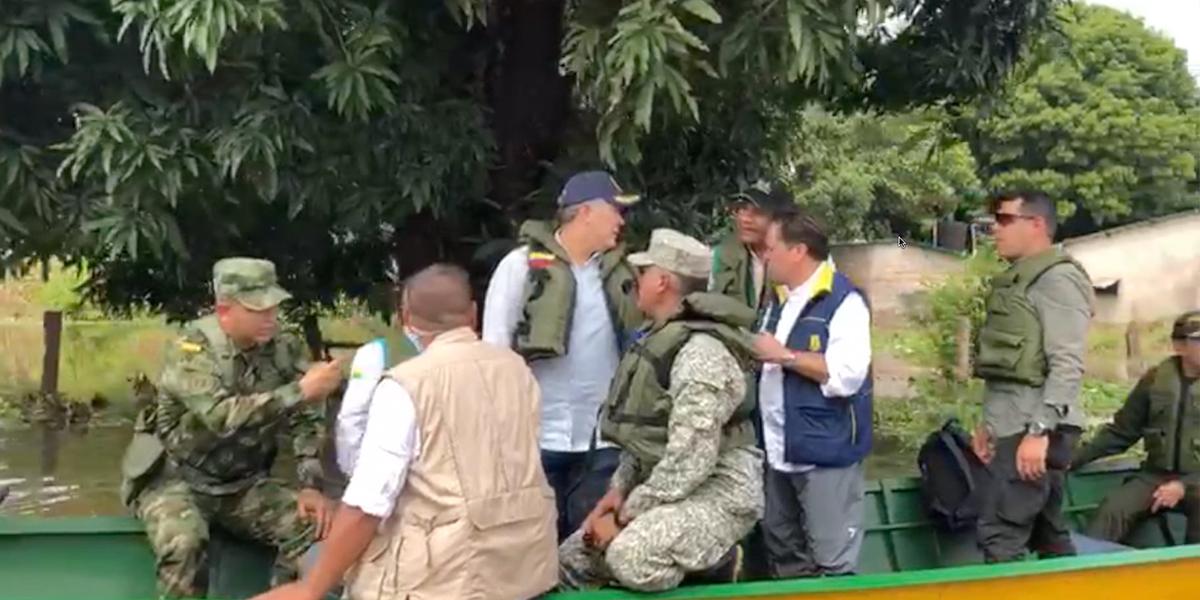 Presidente Duque inicia visita a Puerto Carreño para analizar 'situación de inundaciones'