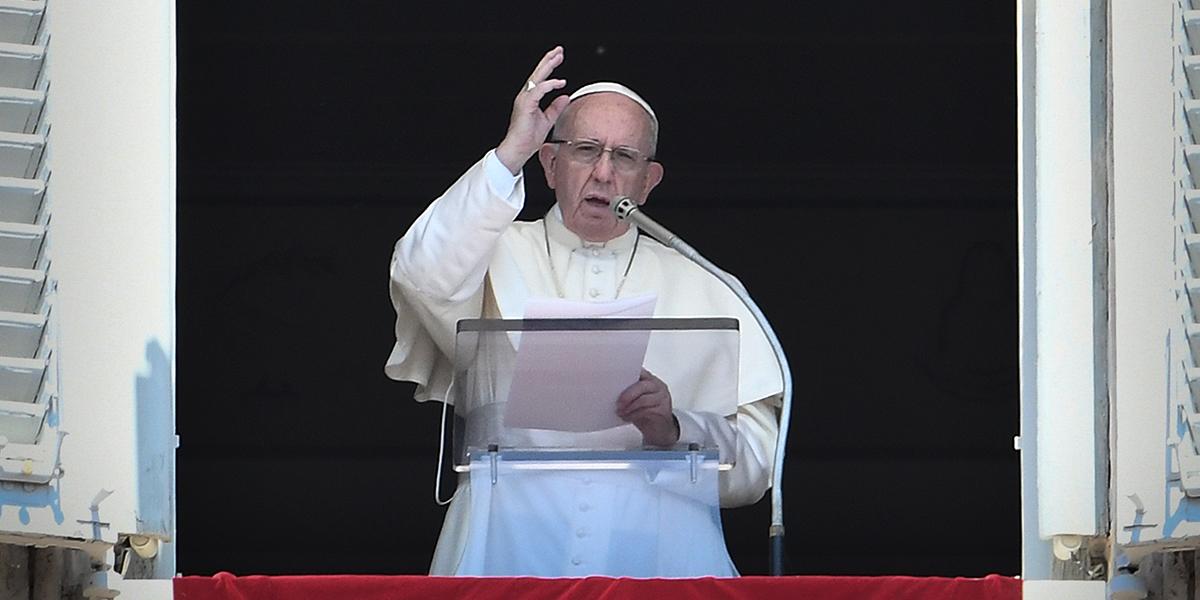 Papa se reunirá con víctimas de abusos por parte del clero en Irlanda