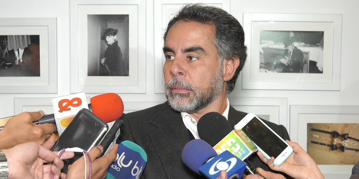 SenadorBenedetti niega acusaciones de Madero