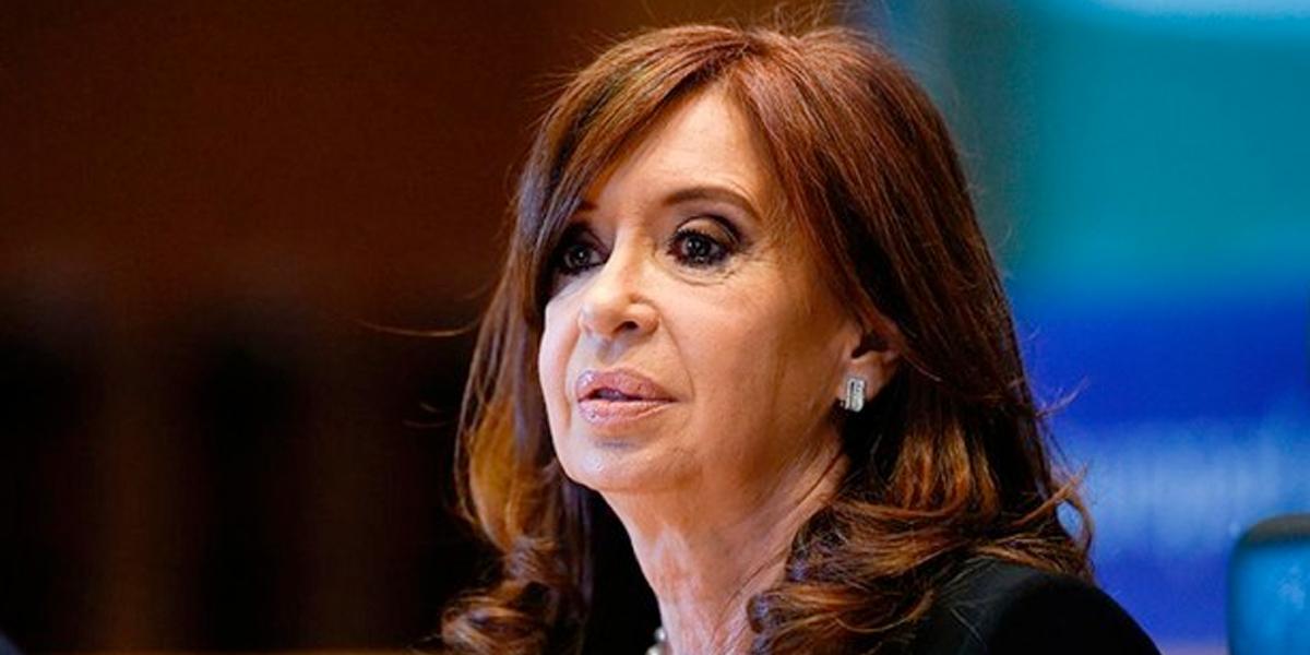 Dictan prisión preventiva a Cristina Fernández por caso de sobornos