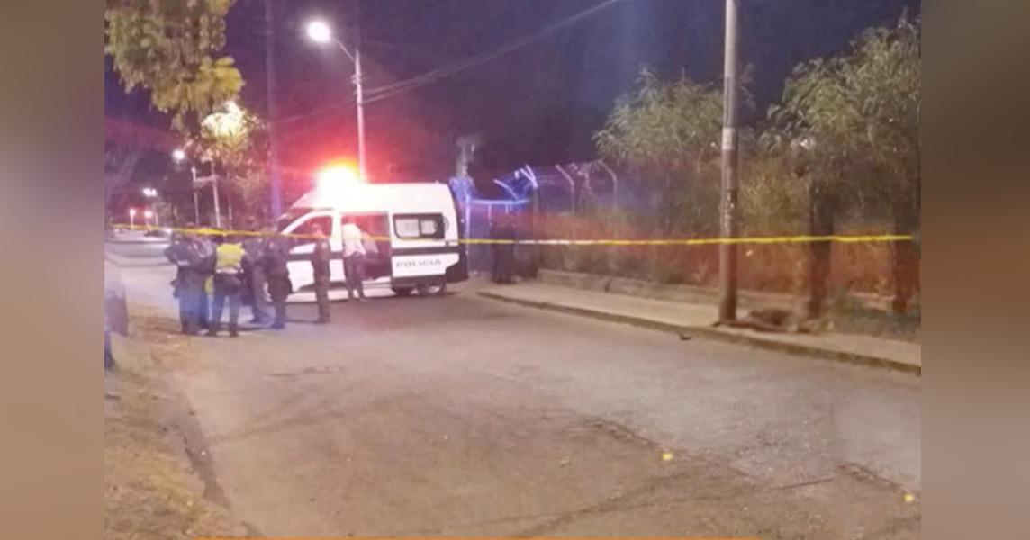 El robo de un vehículo termina en tiroteo y muerte de un delincuente en Cali