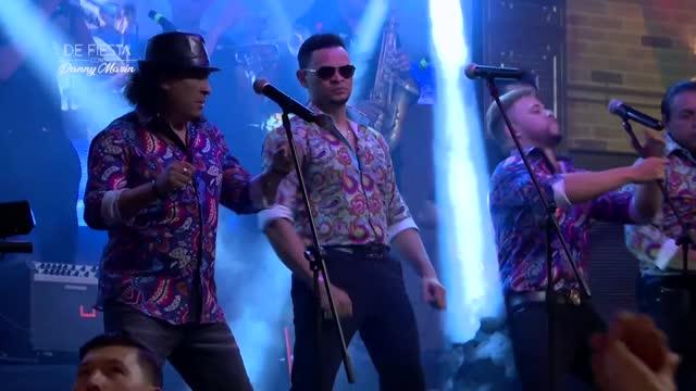 Con el clásico 'Era mentira', Rikarena hizo estallar al público en 'De Fiesta con Danny'