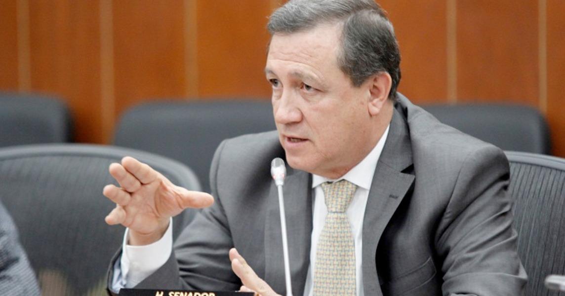 Pdte. del Senado pide reducir nómina de contratistas de esa corporación