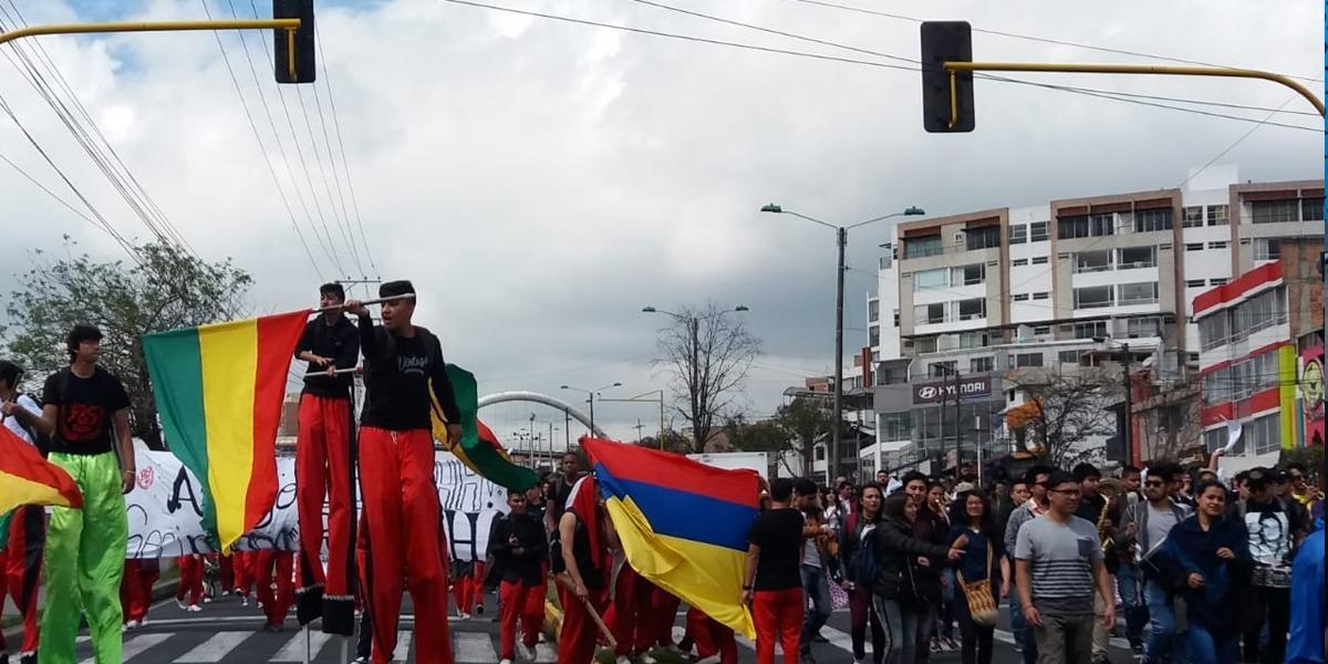 Estudiantes y docentes en Pasto marcharon por la defensa de la universidad pública