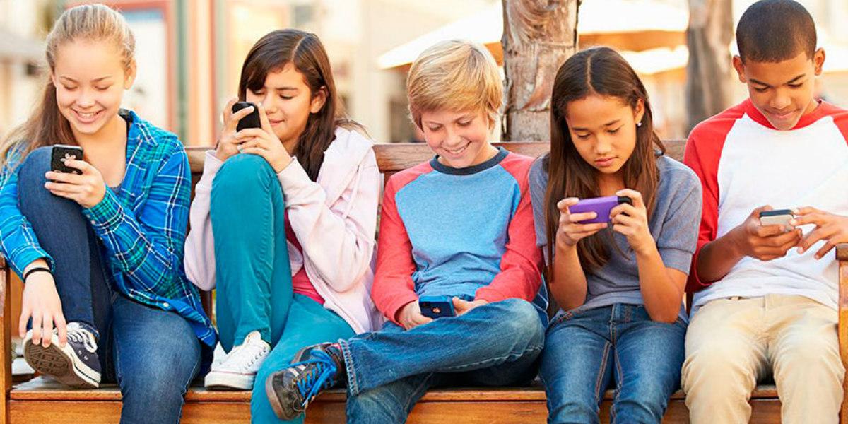 El preocupante dato sobre los niños que pasan más de dos horas frente a las pantallas