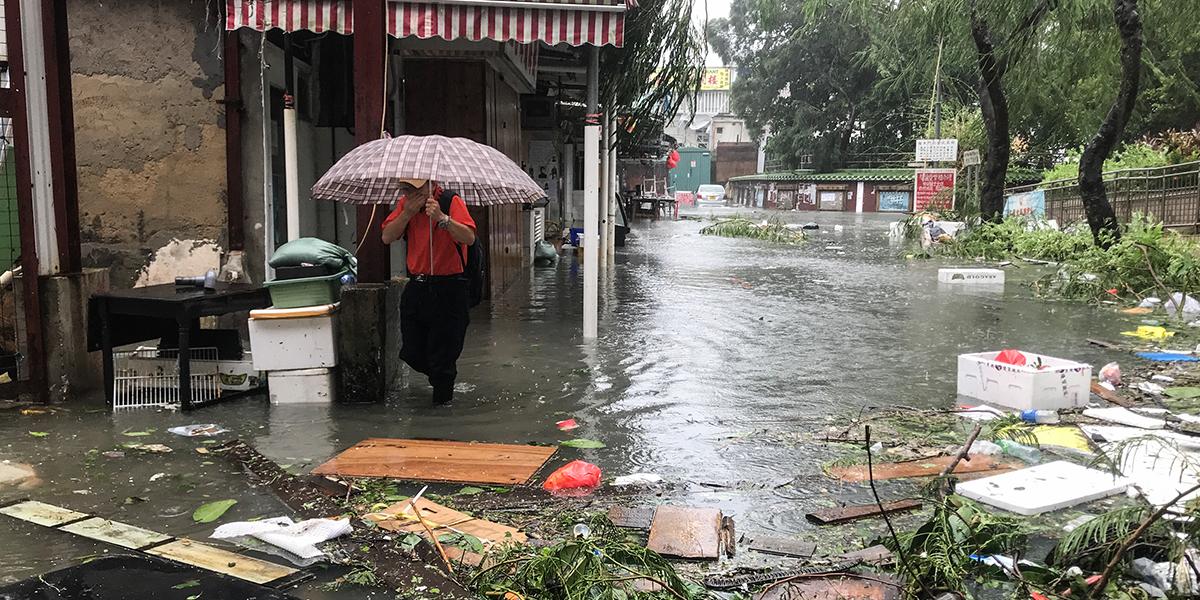 El tifón Mangkhut deja destrucción en Filipinas y China